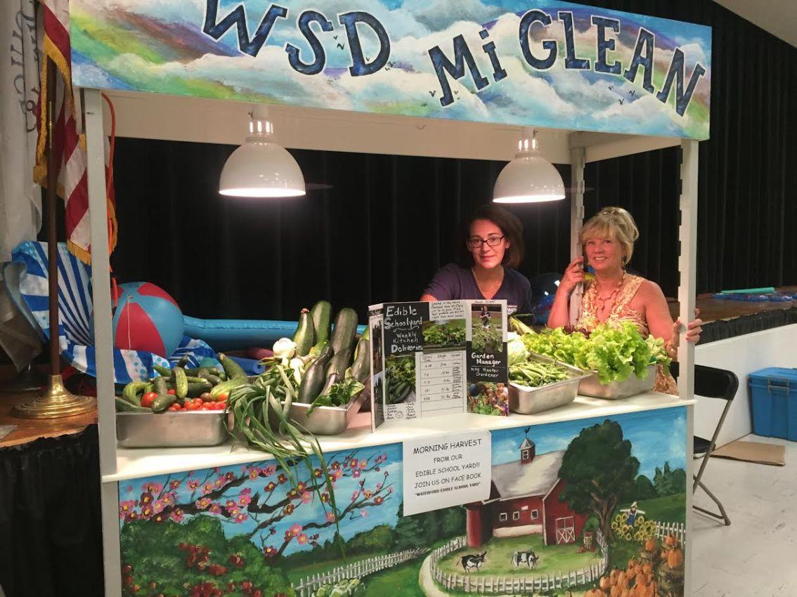 Waterford, MI Schools Food Service Director named School NutritionHero