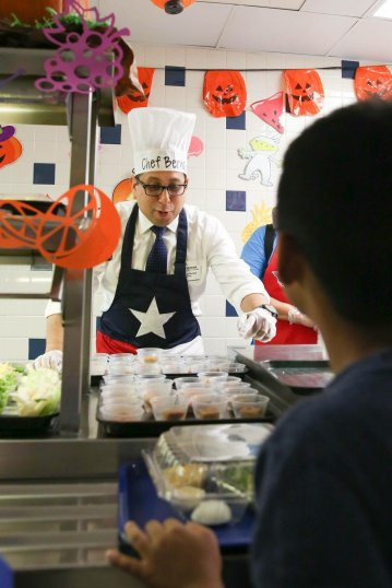 State Representative Diego Bernal served lunch at Harmony Hills Elementary School (TX) for NSLW.