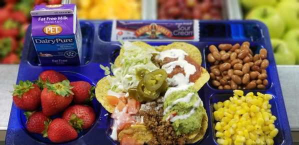 Greenville County Schools (SC) offered a mac-n-cheese bar and nacho bar during NSLW.