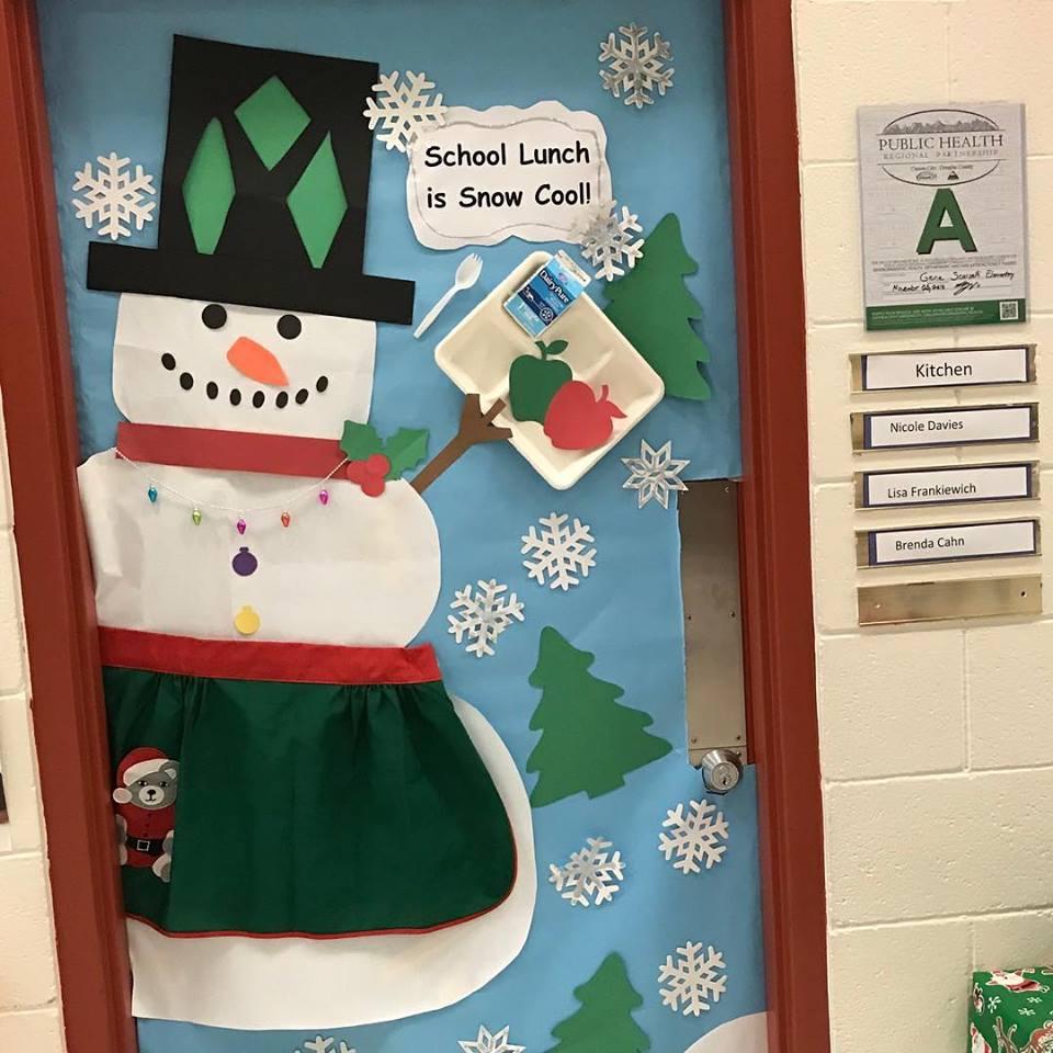 School Cafeterias Serve Up HolidayCheer