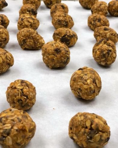 York created this recipe for Pumpkin Energy Balls made with pumpkin, chia seeds, oats, peanut butter, mini chocolate chips, coconut and flax seed.