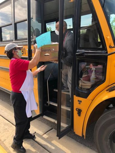 School nutrition and transportation at Gwinnett County Public Schools (GA) are working together to ensure every student gets a fresh school meal during school closures.